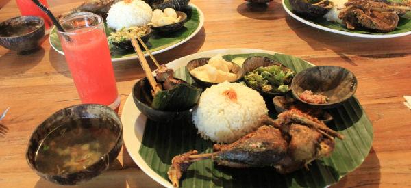 【一日游】巴厘岛野生动物园+印尼风味自助午餐+复古