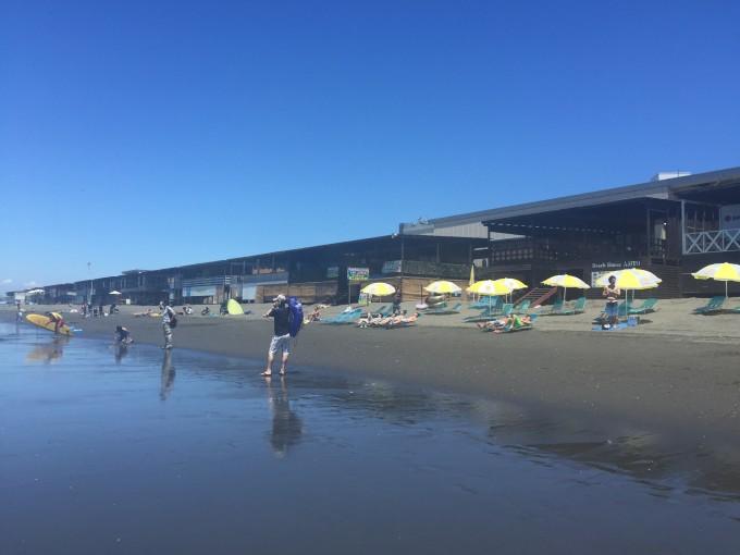然后,吃了好吃的沙冰,就徒步走到了江之岛,坐电车去往了镰仓高校前