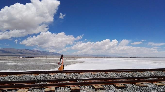 约200km 青海省海西蒙古族藏族自治州州府所在地  去德令哈的路上,几